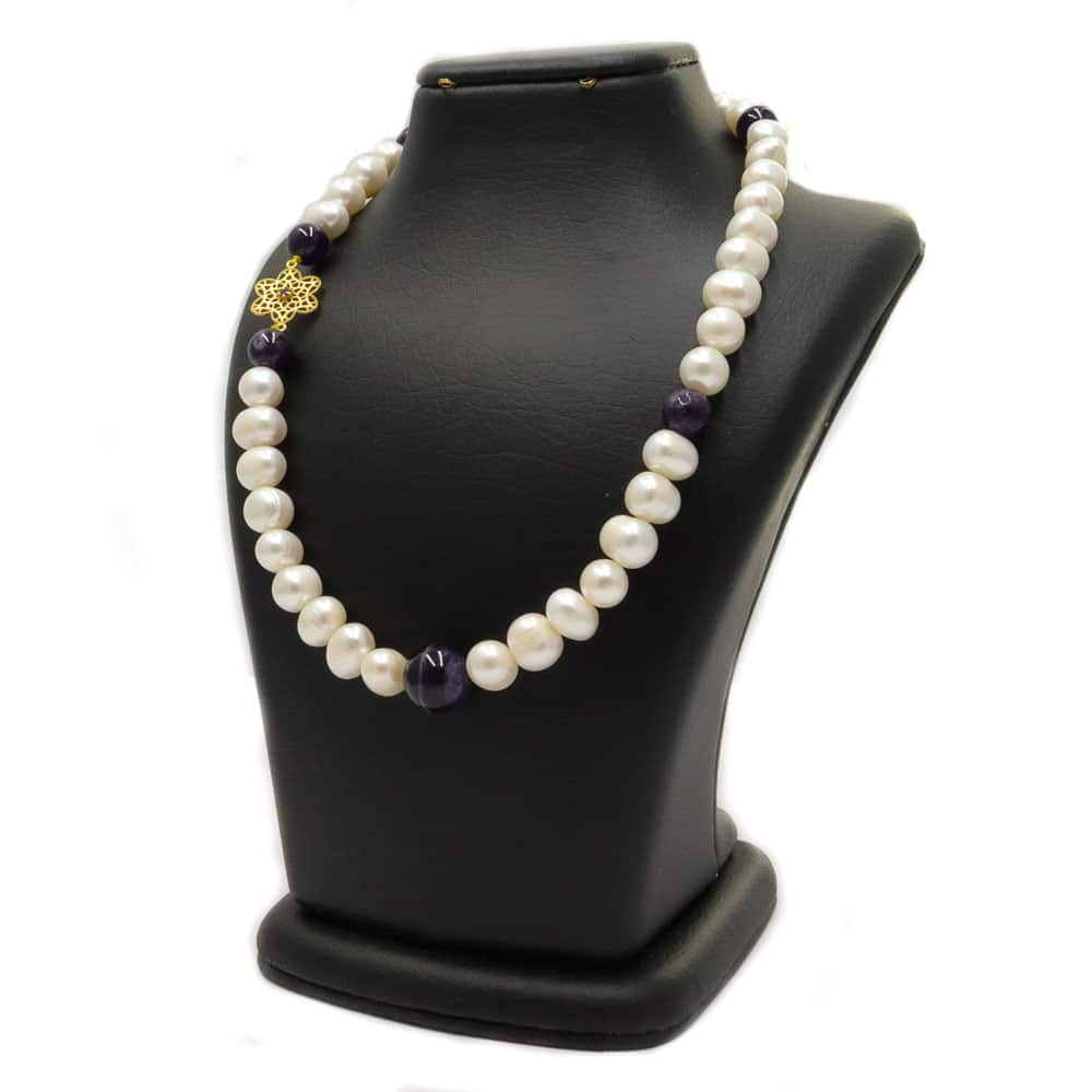 Pearl necklace with amethyst and gold