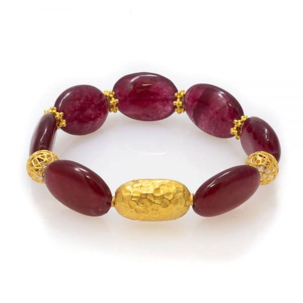 Eye-catching Bracelet in red Agate with Gold