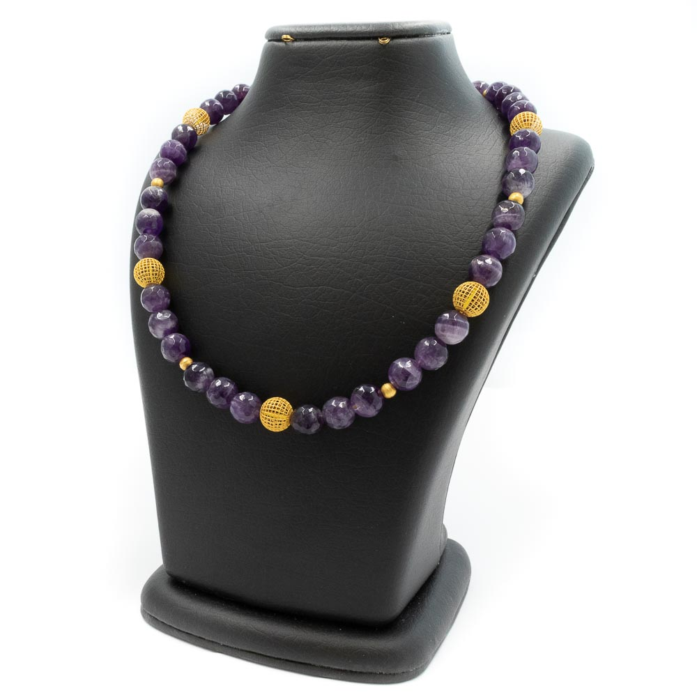 Necklace made of amethyst