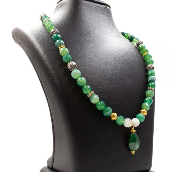 Necklace with a Green Malachite Pendant 2