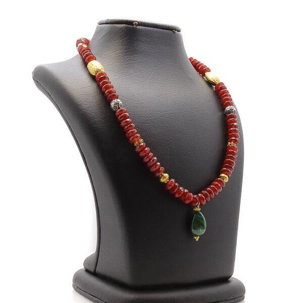 necklace with agate is unique